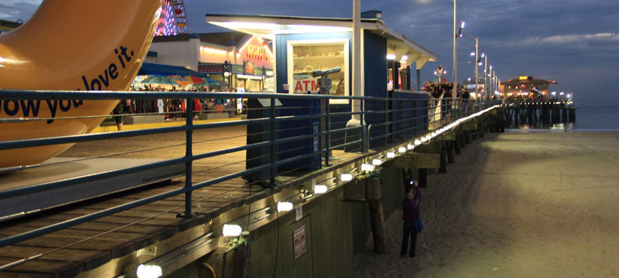 LEDtronics, Inc. lights Santa Monica Pier with new, LED lamps.