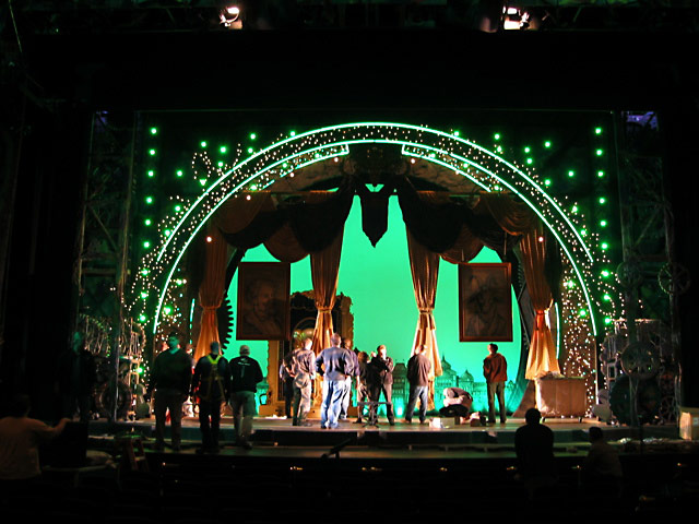 Is Wicked Touring In The Us